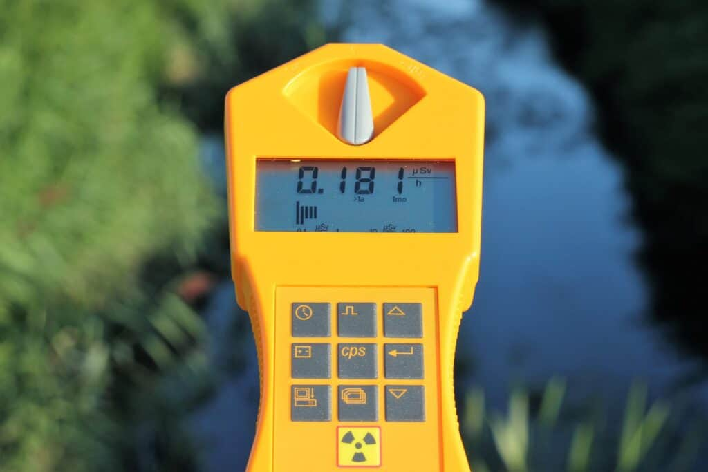 How to Pick and Use a Geiger Counter for Rockhounding