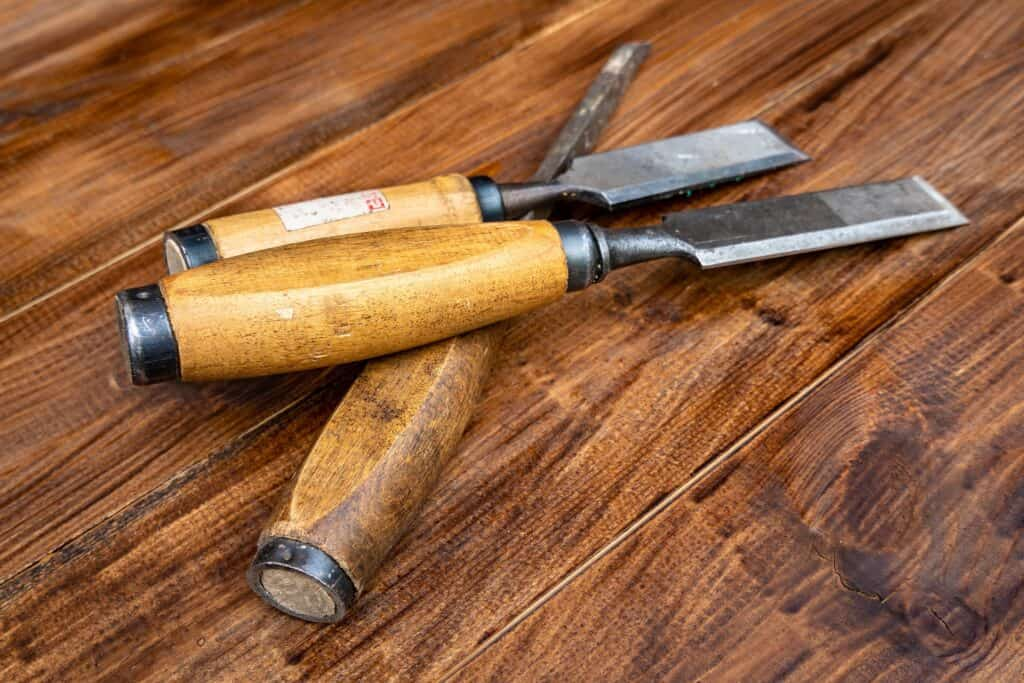 What is the difference between rock chisel and cold chisel