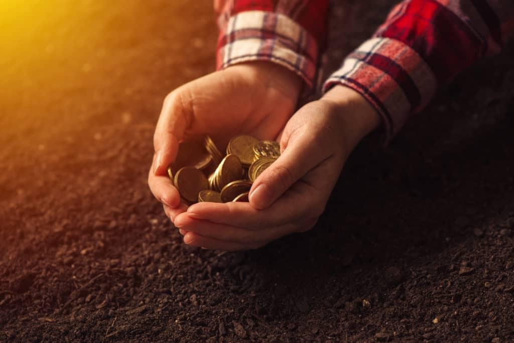 Can you Make Money Selling Rocks or Gem Hunting?