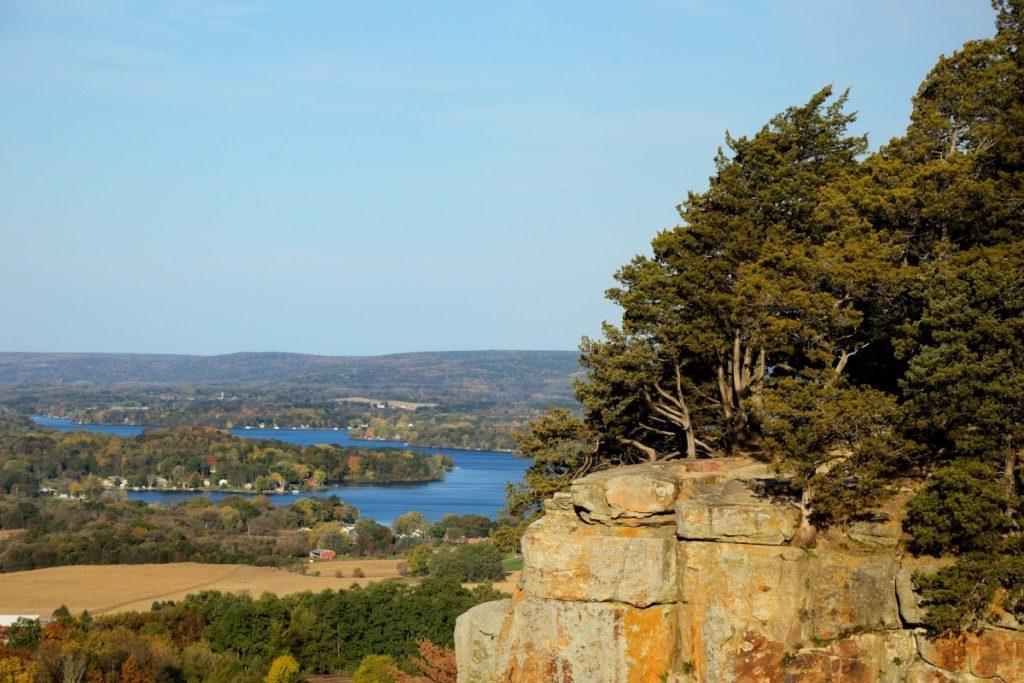 Best Rock Hunting Sites in Wisconsin