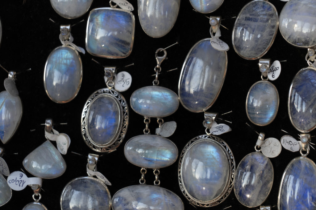 The Main Differences Between Real and Fake Moonstone